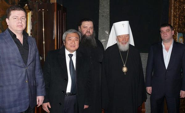 Второй слева – Александр Син, крайний справа – Евгений Анисимов